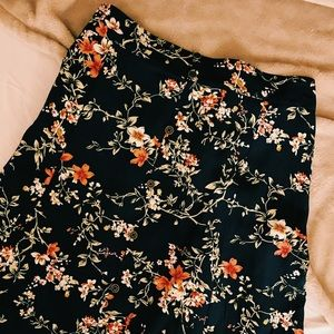 Dresses & Skirts - Floral circle skirt